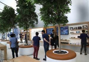 One Minute Preview The New Bose Flagship Store by Apple Reveals Its Future In New San Francisco Store