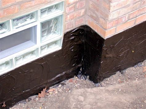 basement waterproffing exterior waterproofing membrane vs sodium bentonite