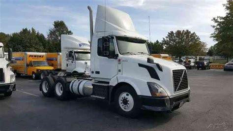 2013 volvo big rig volvo vnl64t300 2013 daycab semi trucks