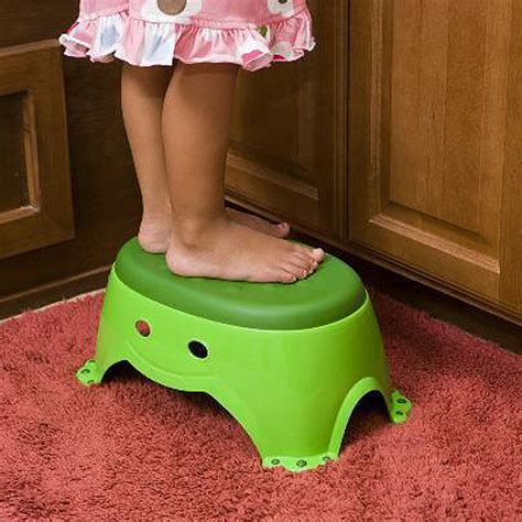 Mommys Helper Step Stool by Frog Step Stool By S Helper Potty Concepts