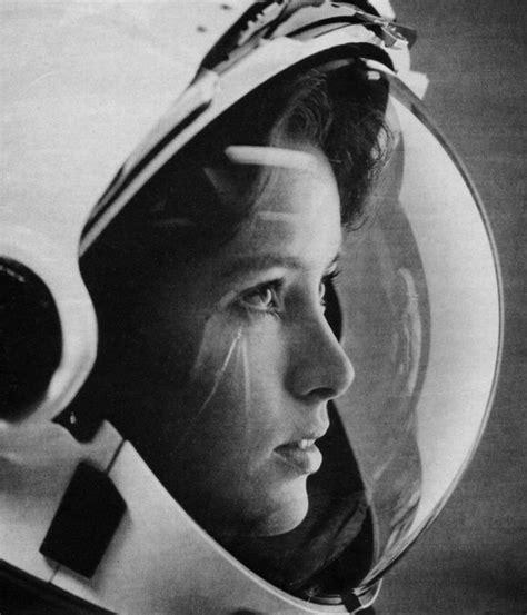 Celana Wanita Apollo 15 foto wanita yang mengubah dunia dalam sejarah