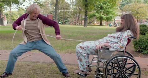 film petualangan terlucu trailer dumb and dumber to bikin tertawa berkali kali