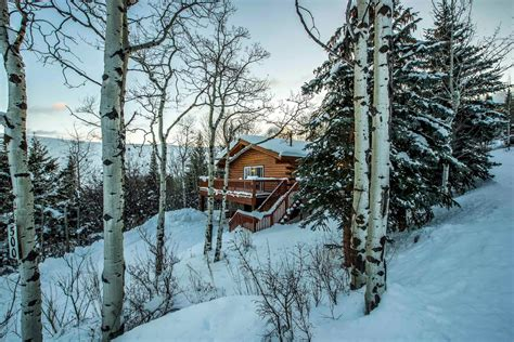 airbnb jackson hole wyoming winter airbnb rentals in cold and hot weather destinations glamour