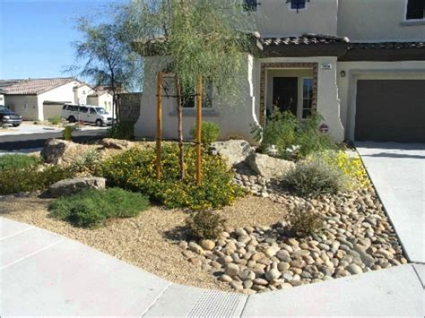 Rock Landscaping Ideas For Front Yard Jbeedesigns Outdoor Front Yard Rock Garden