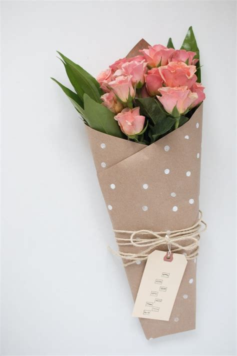 to wrap 10 diy ways to wrap a flower bouquet for a gift shelterness