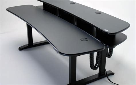 Desk Rack Mount by Martin Ziegler