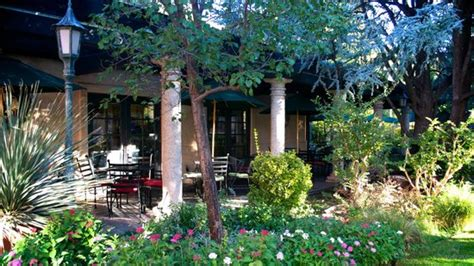 courtyard picture of secret garden cafe sedona