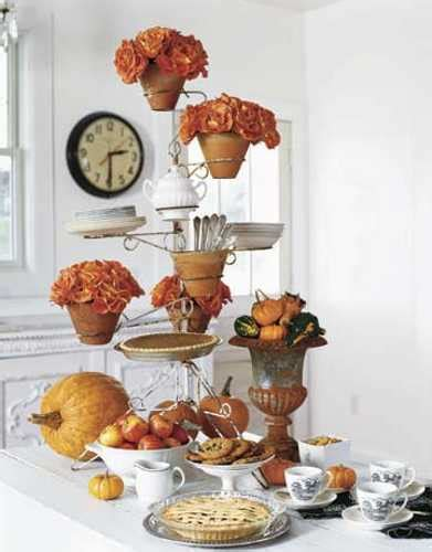 42 amazing flower decorations for a thanksgiving table 30 creative table centerpieces for thanksgiving decorating