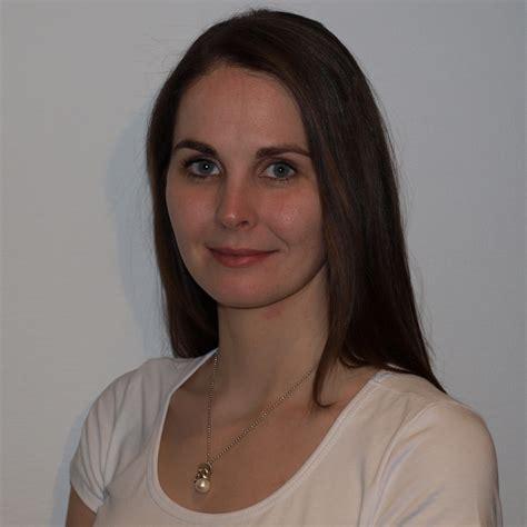 Janina F Keng舩 Janina Feustel Weiterbildungsassistentin Dermatologie