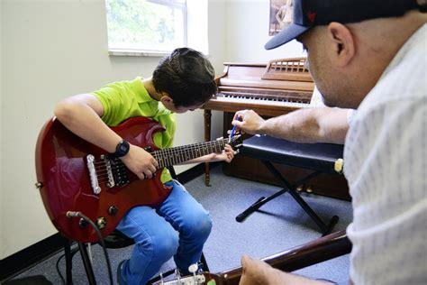 video tutorial belajar bermain gitar cara cepat belajar bermain gitar secara otodidak vebma com