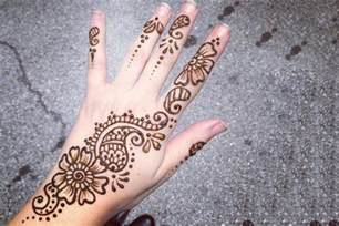 home design for beginners 8 simple arabic mehndi designs for beginners