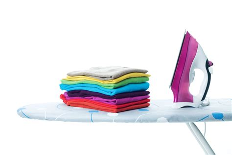 How to Iron Clothes Correctly