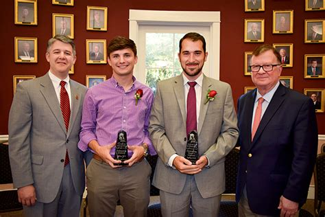 Ull Mba Curriculum by Ul Lafayette Recognizes Top Scholars As Outstanding Master