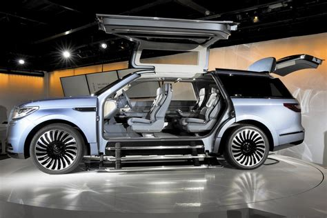 Ford Lincoln Navigator 2020 by 2020 Lincoln Navigator Concept Efficient Family Car