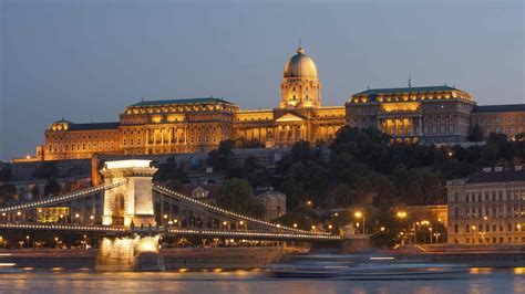budapest light district discover the sights of budapest s castle district