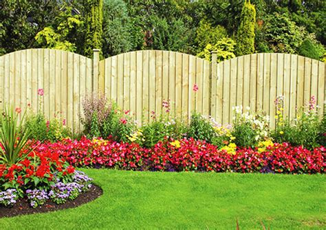flower garden fencing garden fencing uk s no 1 fencing company