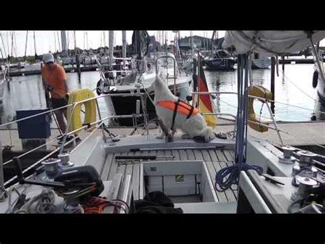 motorboot anlegen in der box hafenman 246 ver der radeffekt doovi