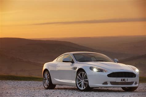 how to learn all about cars 2011 aston martin v8 vantage auto manual 2011 aston martin db9 image https www conceptcarz com images aston martin 2011 aston martin