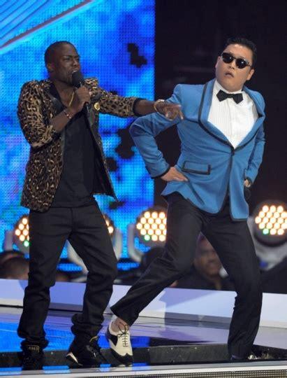 gangnam style testo psy e la gangnam style impazzano sul web testo e