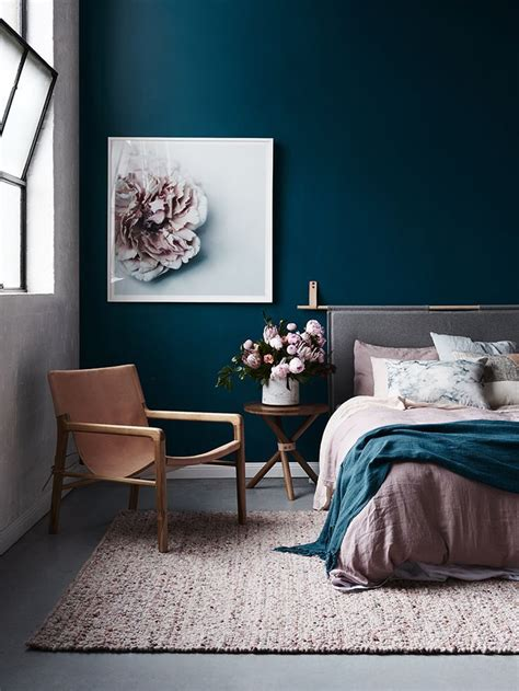 wall paint that doesn t get 17 best ideas about blue walls on navy walls painted walls and navy office