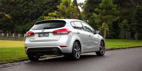 Kia Cerato Hatch Back 2017 Kia Cerato Sport Hatch Review Caradvice