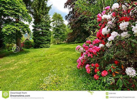 Schöner Garten Fotos 3753 by Sch 246 Ner Garten Im Fr 252 Hjahr Stockfotografie Bild 25367692
