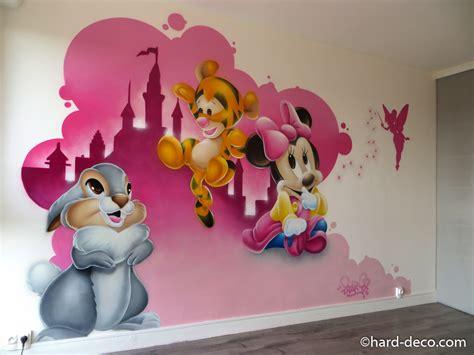 fresque murale chambre enfant d 233 coration d une chambre d enfant avec les b 233 b 233 s disney