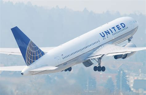 united flight lyndalarch 10538 as if travel is not enough of a drag