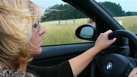 le donne al volante donne al volante ma quale pericolo