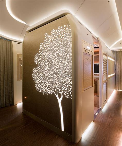 emirates virtual windows video emirates unveils new boeing 777 first class