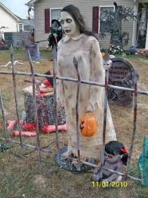 Best Halloween Home Decorations by Readers Staff Pick Best Halloween Houses Lifestyles