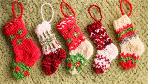 knitting pattern christmas stocking tree decoration knitted mini christmas stockings knit crochet christmas