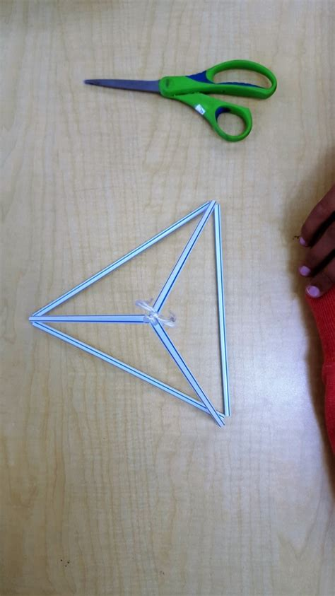 How To Make A Tetrahedron Out Of Paper - a tetrahedral kite make41