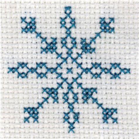 snowflake pattern cross stitch snowflake cross stitch patterns 171 free patterns