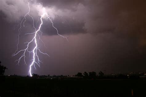 noaa study finds fishing tops u s lightning death activities