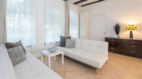 lockout room apartment rental in miami from 587 nt 8 room lock out suite al capone oprah