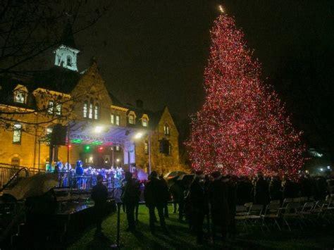 seton hall  hold  christmas tree lighting event