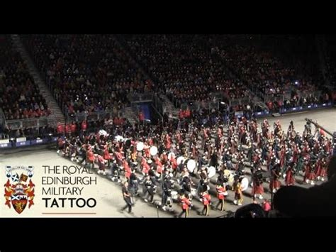 edinburgh tattoo nz youtube edinburgh tattoo 2014 the lone piper finale youtube