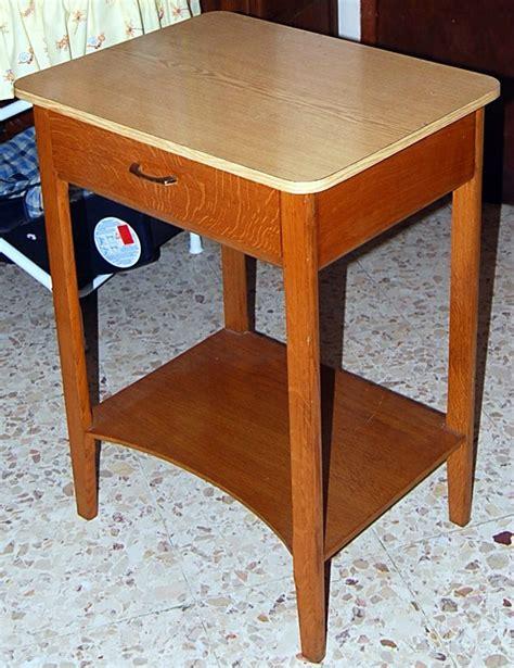 Modele Table De Nuit by Transformation D Une Vieille Table De Nuit En Bureau
