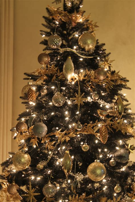 pictures of black and gold christmas tree copy cat chic giveaway treetopia copycatchic