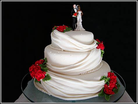como decorar bolo para homens fotos de bolos de casamentos decorados 2012