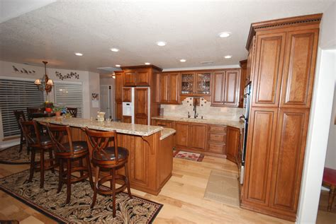 butterscotch glazed kitchen cabinets rta starmark cherry cabinets in butterscotch with chocolate