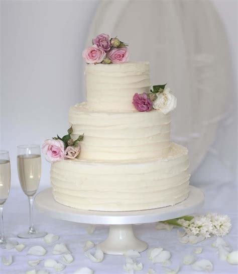 Wedding Cake Uk by Buttercream Wedding Cakes To Buy Wedding Cakes