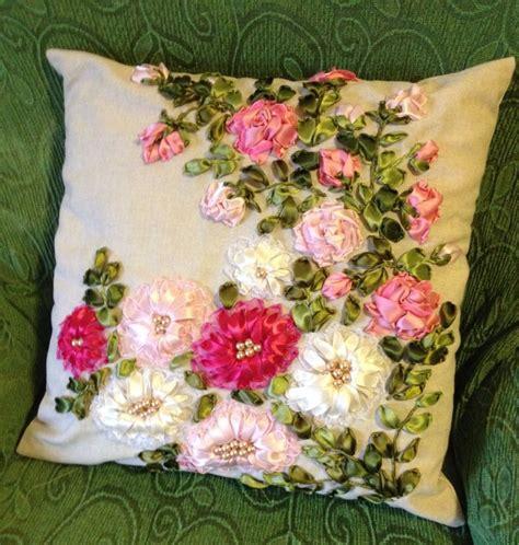 cuscino ricamato cuscino ricamato con nastri di seta e organza fatto da