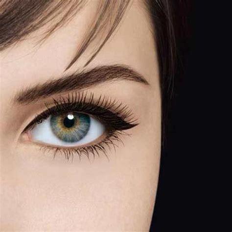 winged eyeliner tutorial liquid liner winged eyeliner tutorial the model stage blog