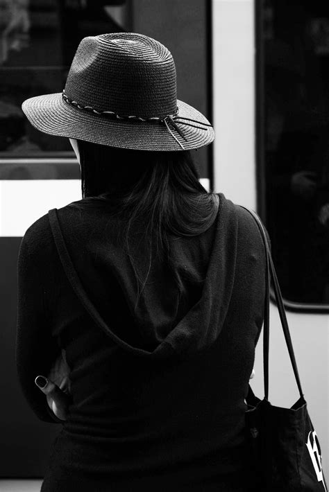 imagenes artisticas sexis greyscale photo of a woman wearing a hat 183 free stock photo