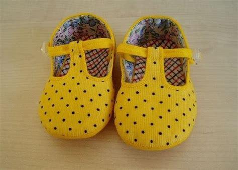 como hacer zapatos para bebe de tela moldes para zapatitos de beb 233 en tela imagui