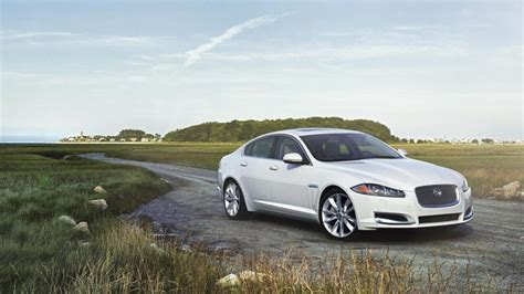 Jaguar Xf Review 2014 2014 Jaguar Xf 3 0 Awd Review Notes Autoweek