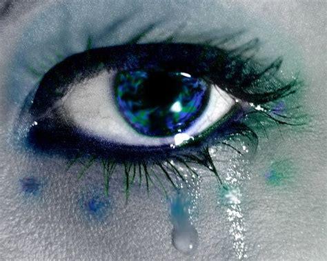 imagenes de ojos azules llorando blue crying eyes www imgkid com the image kid has it