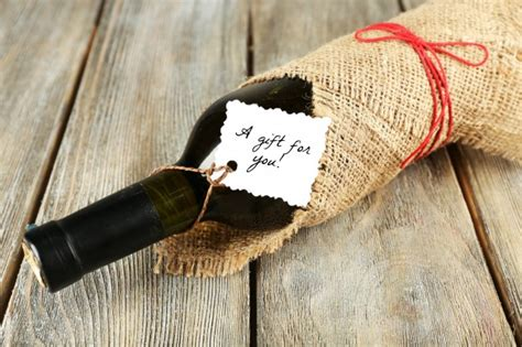Giving The Gift Of Wine Glamorously by Wine Gift Giving Guide The California Wine Club Uncorked